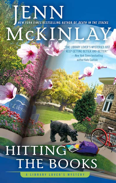 Hitting the Books (A Library Lover's Mystery) by Jenn McKinlay